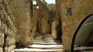 Treppenaufgang in der Altstadt über dem Hafen Jaffas